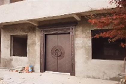新中式风格铸铝门